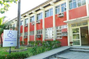 Foto da fachada do Departamento de Física.